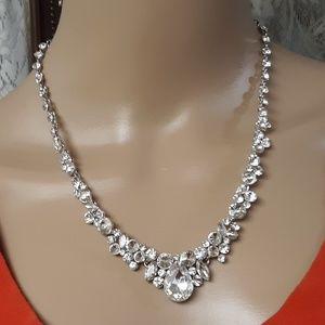 Jewelry - VTG Silver Clear Ice Crystal Diamond Necklace